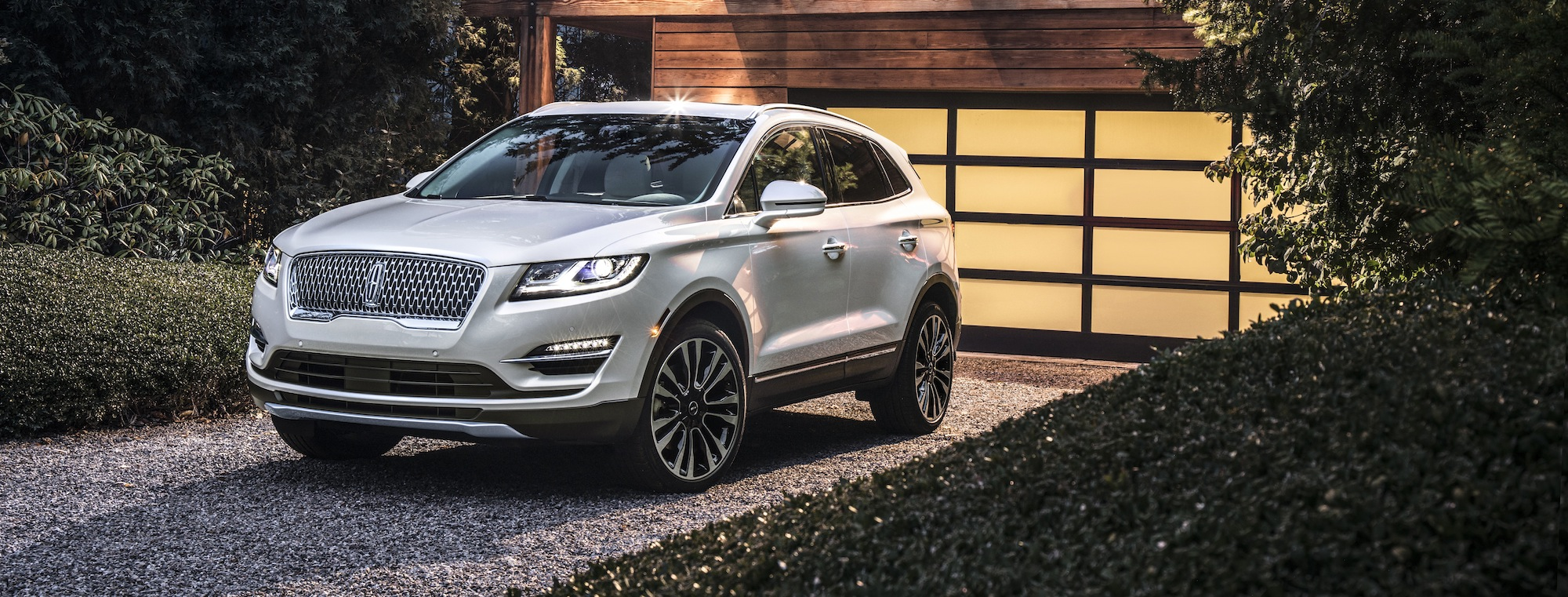 2019 Lincoln MKC: Compact Luxury SUV That Caters To All Your Desires